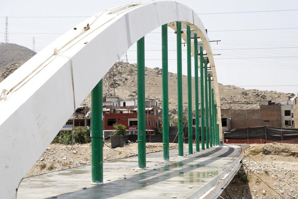 Puente malecón Checa